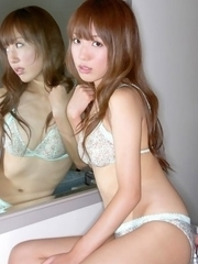 Nozomi Kawasaki with hot bum and jugs loves her in mirror